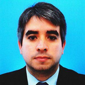 Dr. Gustavo Rosales